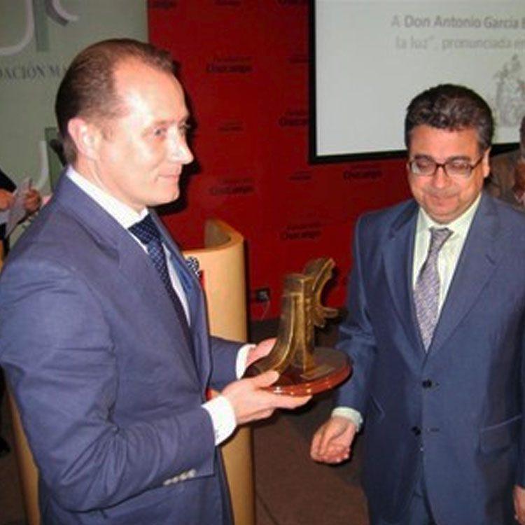 Recibiendo premio Demófilo 2010